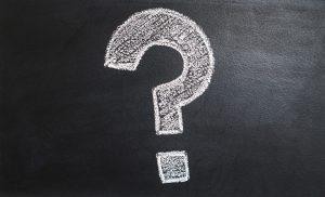 pytanie-300x182 Zakłady bukmacherskie Typowanie meczów Co to AKO